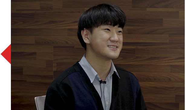 인터뷰어 20사번 김범주 사원